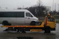 traliukas-su-mikroautobusu-1024x1024
